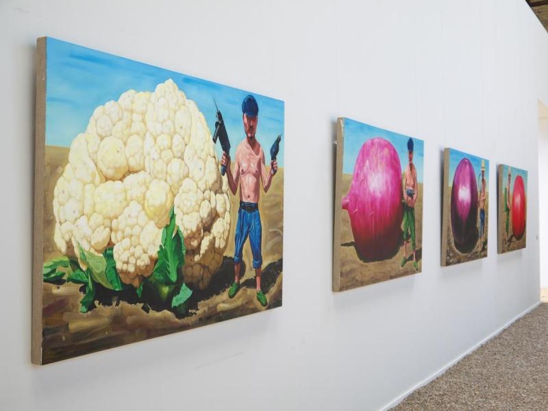 Großer Blumenkohl, Großer Rettich, Große Aubergine, GroßTomate, von Hu Xiangdongv